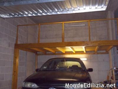 Sistemazione garage con soppalco in legno lamellare for Un garage per auto con appartamento
